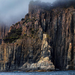Southern cliffs of Bruny Island<br/>Photo Credit: Simon Chin<br/>Canon 6D f/5.6 70mm 1/400s ISO100